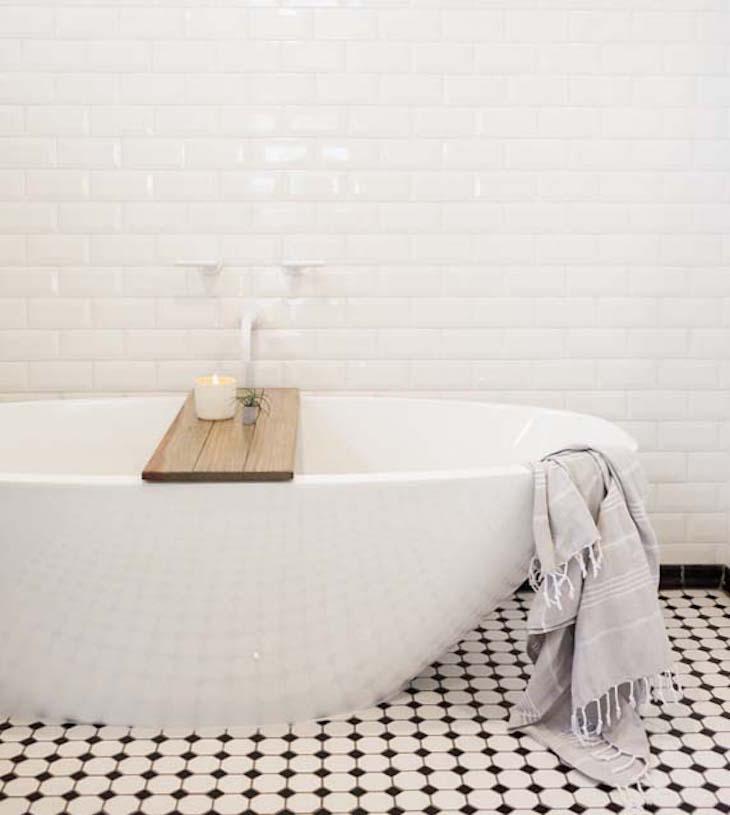 tiledbathroom4.jpg