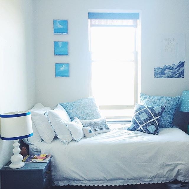 College Dorm Room - Preppy, Decorated, Blue, Dorm Design