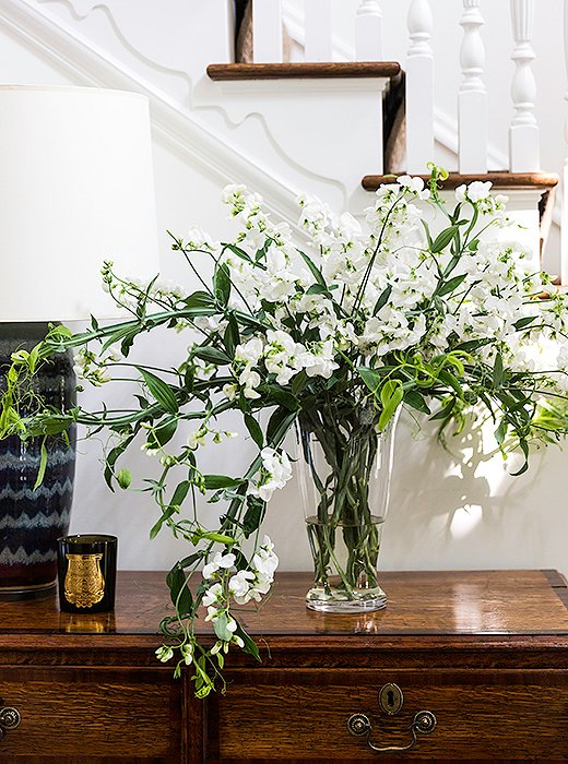 Fresh Flowers. Brett Heyman's Connecticut Home Tour