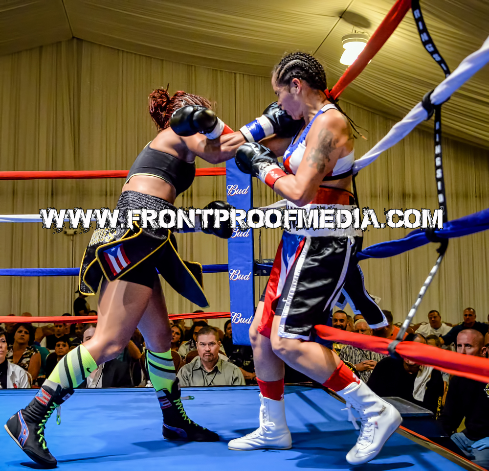 Noemi Bosques landing a hammering right hand during her WIBA title match up against Marisol Miranda on Aug 22, 2015 in St. Petersburg Florida
