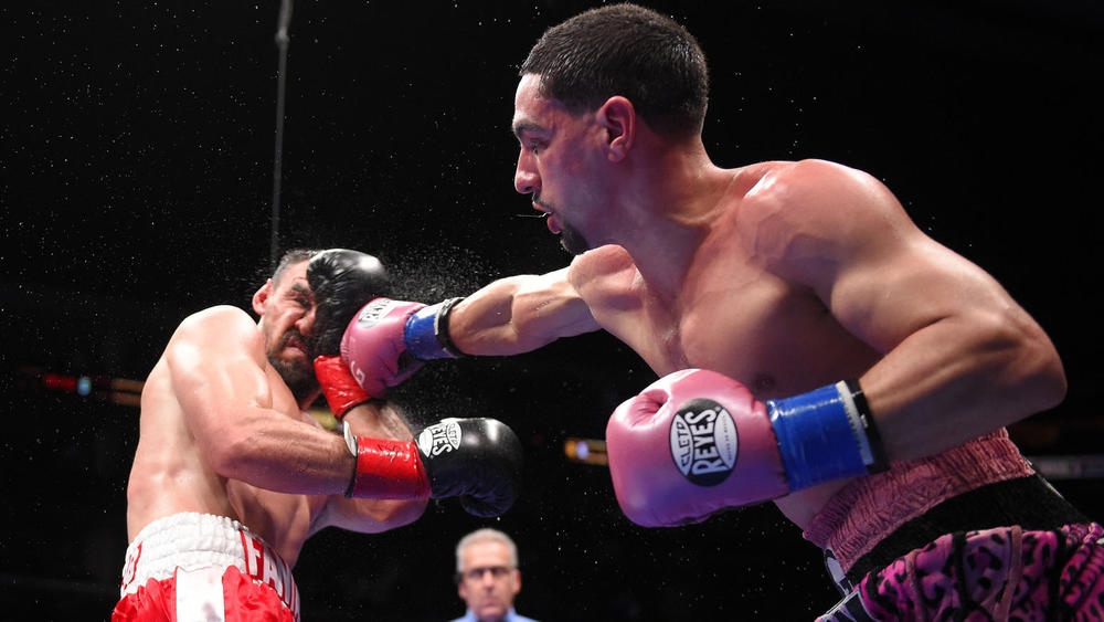 Danny Garcia wins by Unanimous decision in a hard fought battle with Robert Guerrero. Photo credit:   Mark J. Terrill / Associated Press
