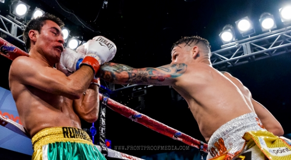 Orlando Cruz completely outboxed and dominated his opponent Koasicha for 10 rounds. Photo Credit: Joseph Correa/Frontproof Media