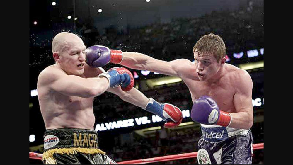 Canelo Alvarez vs. Matthew Hatton for WBC 154 pound title. Photo: Jae C. Hong/ Associated Press