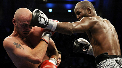 Bernard Hopkins dominates Kelly Pavlik in their October 2008 fight. Photo: AP Photo/Tim Larsen