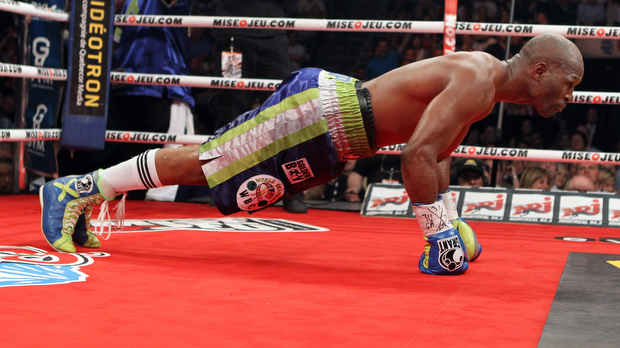 Bernard Hopkins does push-ups in between a round against Jean Pascal in their May 2011 rematch. Photo: The Gazette/John Kenney