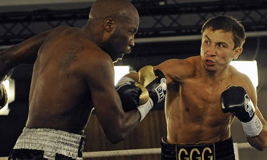Gennady Golovkin lands a right hand on Lajuan Simon. Golovkin stopped Simon in the first round. Photo: AP/Martin Meissner
