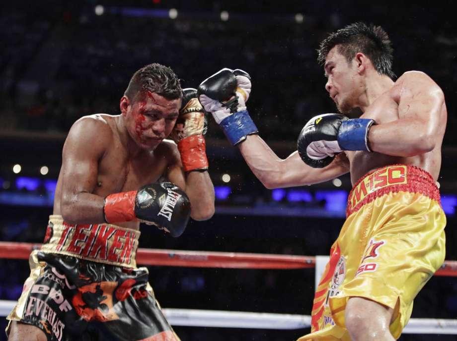 "Roman ""Chocolatito"" Gonzalez lost a controversial decision to Thailand's Srisaket Sor Rungvisai on Saturday night. Photo: Frank Franklin II/Associated Press"