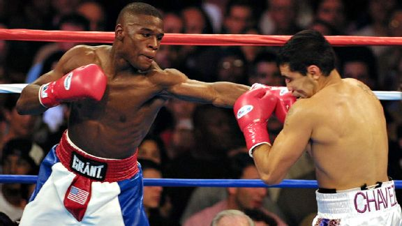 Floyd Mayweather in his last fight at 130-pounds against Jesus Chavez. Photo: Monica M. Davey/AFP/Getty Images
