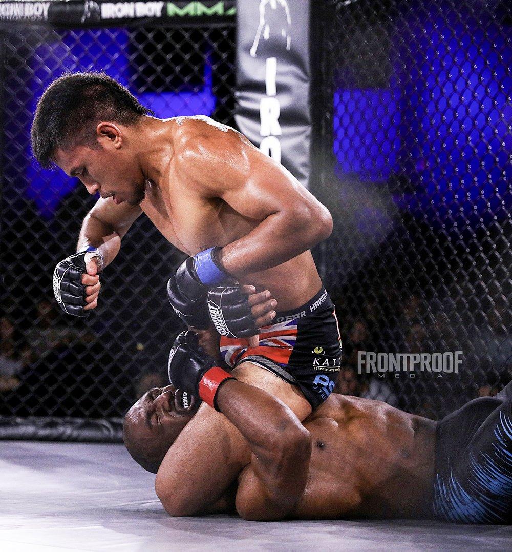 Kevin Natividad defeats  Fard  Muhammad via TKO tap out. Photo  :  Kelly Owen / Frontproof Media