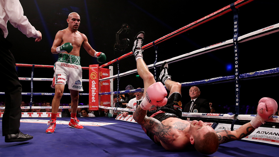 Raymundo Beltran got a controversial draw against Ricky Burns in Scotland for the WBO lightweight (135) championship in September 2013. Photo: Getty Images