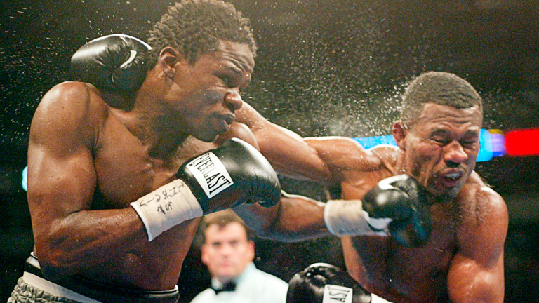 Shane Mosley lost for the first time as a professional against the tough and often avoided Vernon Forrest. Photo: Brent Smith/Action Images/Reuters