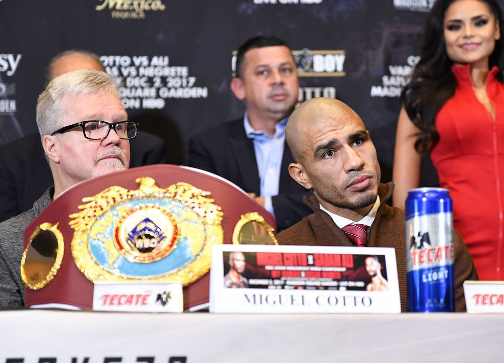Freddie Roach shares his thoughts with the media. Photo:   Tom Hogan/Hogan Photos/Golden    Boy Promotions