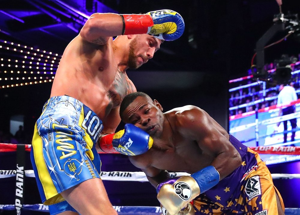 Vasyl Lomachenko stops Guillermo Rigondeaux after six rounds. Photo: Top Rank Boxing