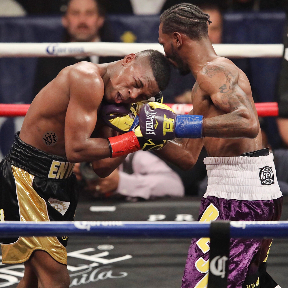 Robert Easter Jr. land an uppercut on Javier Fortuna. Photo: Marilyn Paulino