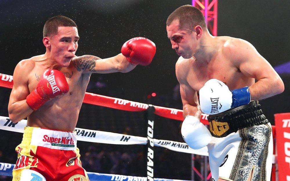 Oscar Valdez wins a unanimous decision over Scott Quigg to retain his WBO featherweight championship. Photo: Top Rank Boxing