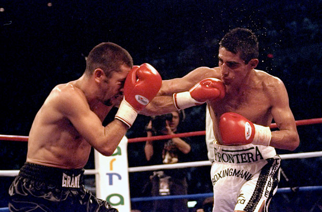 Erik Morales made the eighth defense of his WBC 122-pound title against Wayne McCullough in Detroit, Michigan. Photo: John Gichigi/Getty Images