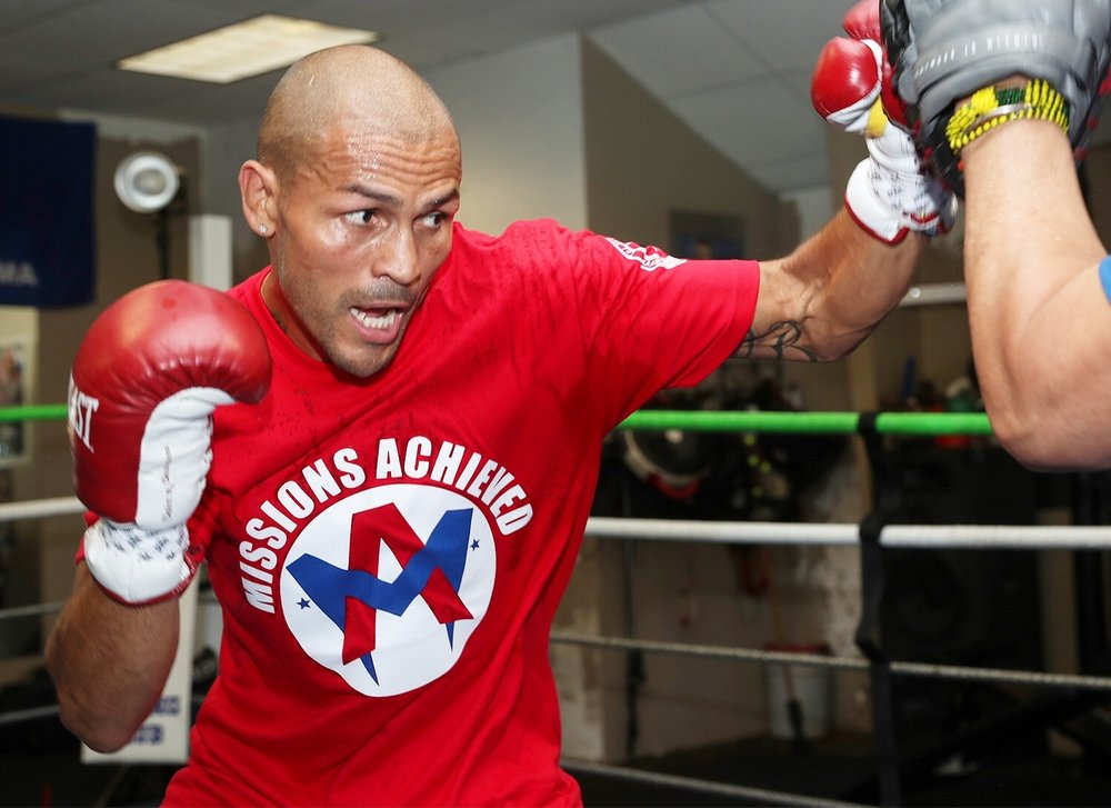 Mike Alvarado. Photo: Mikey Williams/Top Rank