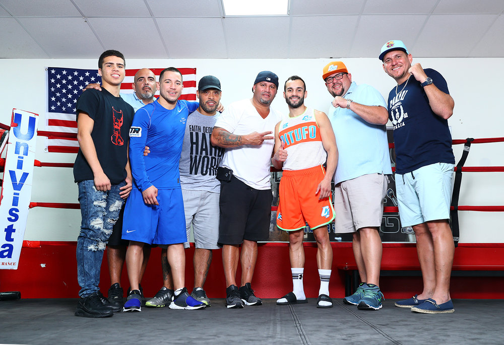 """Christopher """"Pitufo"""" Diaz and team. Photo: Mikey Williams/Top Rank"""