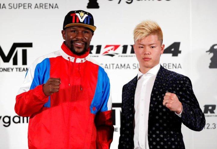 Floyd Mayweather and Tenshin Nasukawa. Photo: RIZIN Fighting Federation