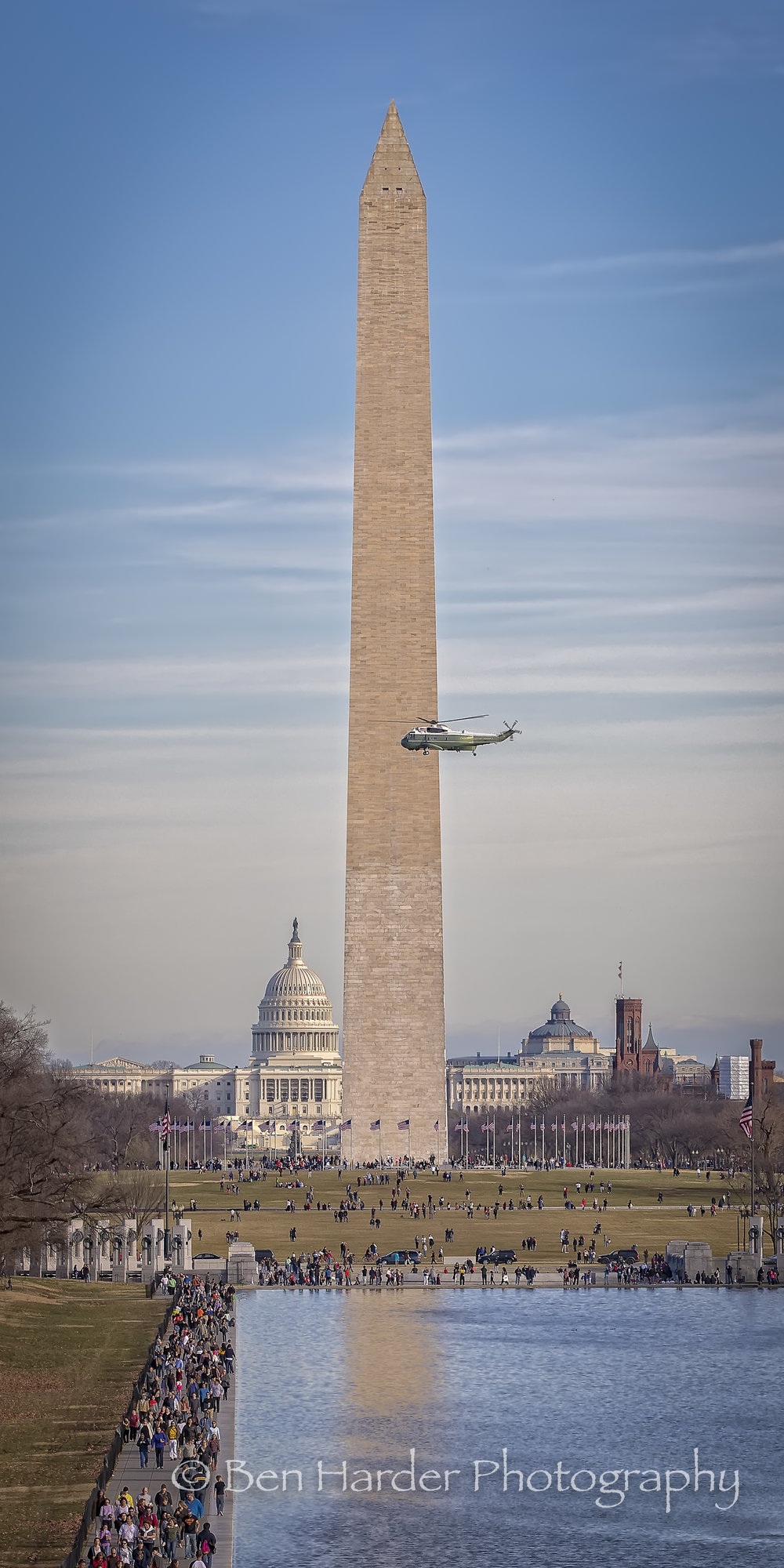Presidential Helicopter over the mall (tall)