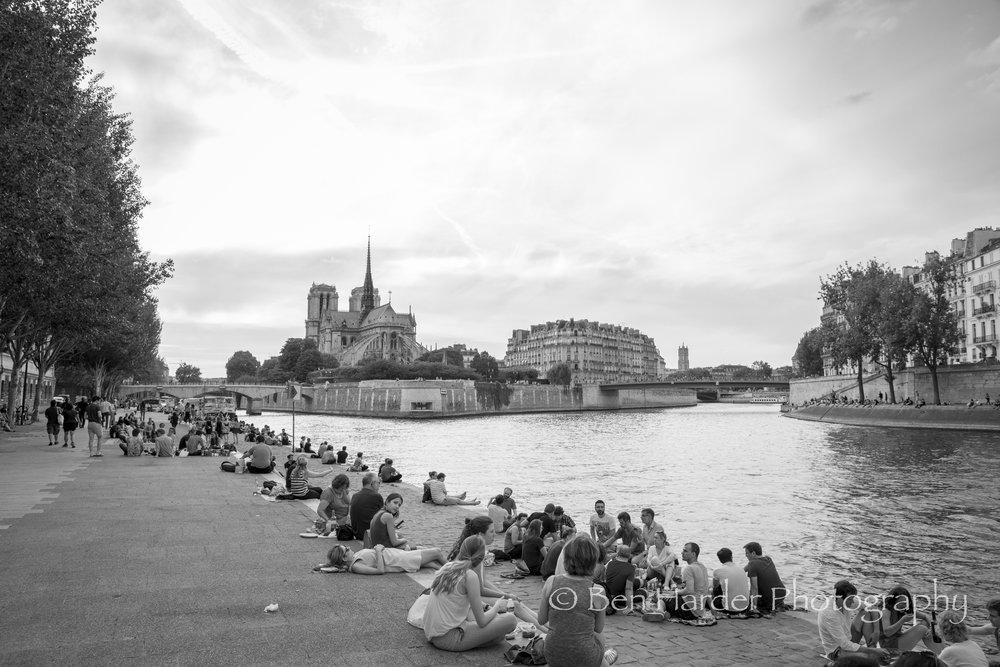 Paris BW-7.jpg