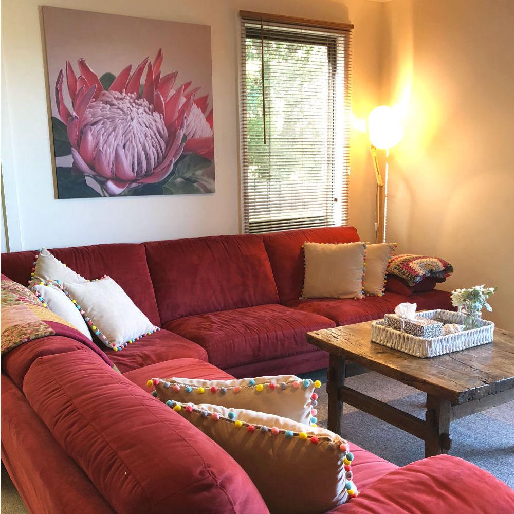 De-clutter & Interior Styling