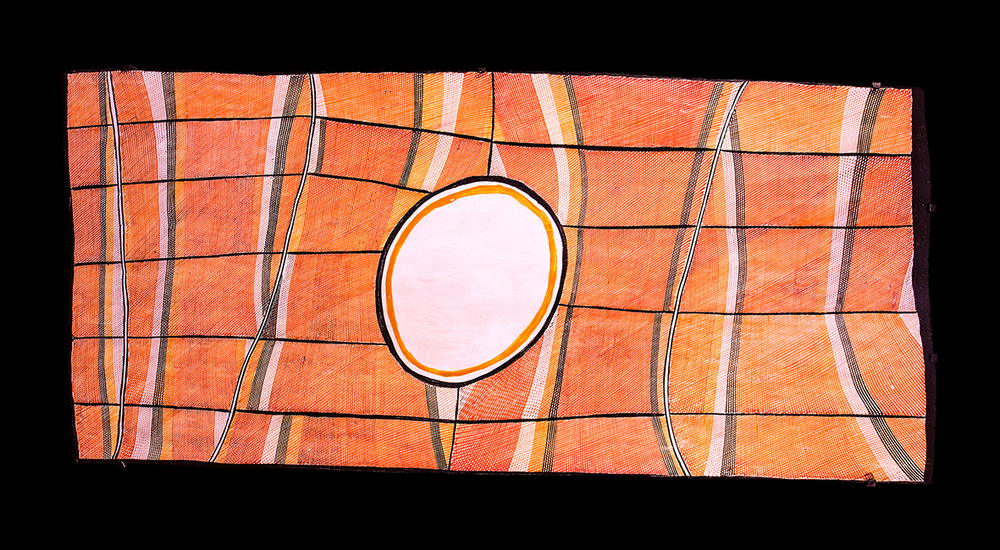 Titre : Mardayin secret ceremony at Milmilmgkan site, de John Mawurndjul (1952). Pigments naturels sur écorce d'eucalyptus. 128 x 60 cm.  © With the courtesy of Maningrida Arts