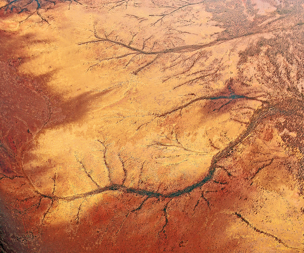 .... Juin 2014. Photo prise d'avion proche d'Alice Springs, en chemin pour Perth. © Aboriginal Signature .. June 2014. Photo taken during a flight near Alice Springs, on the way to Perth. © Aboriginal Signature ....