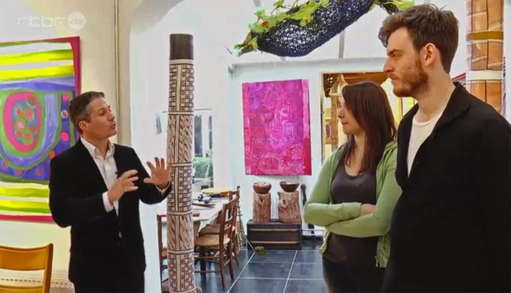 """L'invitation : Video de la RTBF  sur l'exposition d'art Aborigène d'Australie """"Entre Deux Eaux"""", avec les communautés Aborigènes de Mangkaja et Erub."""