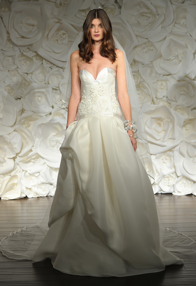 naeem-kahn-drop-waist-wedding-dress11