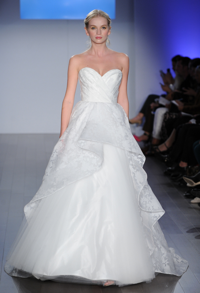 jim-hjelm-cascading-ruffle-wedding-dress-16