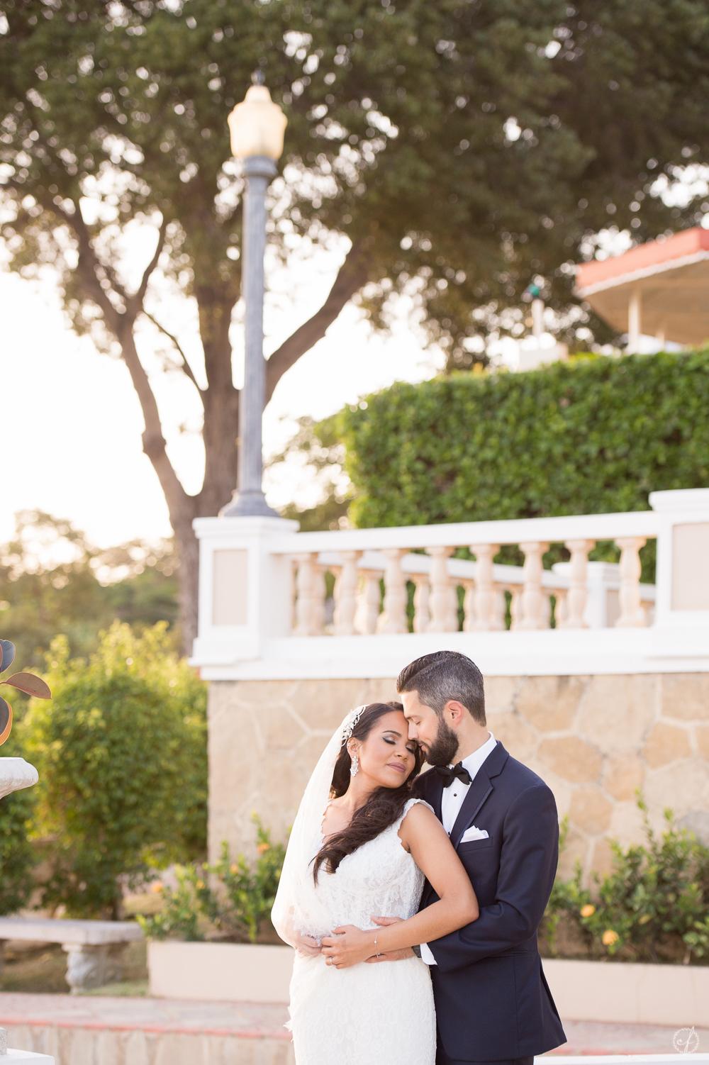3-wedding-photographer-castillo-serralles-ponce.jpg