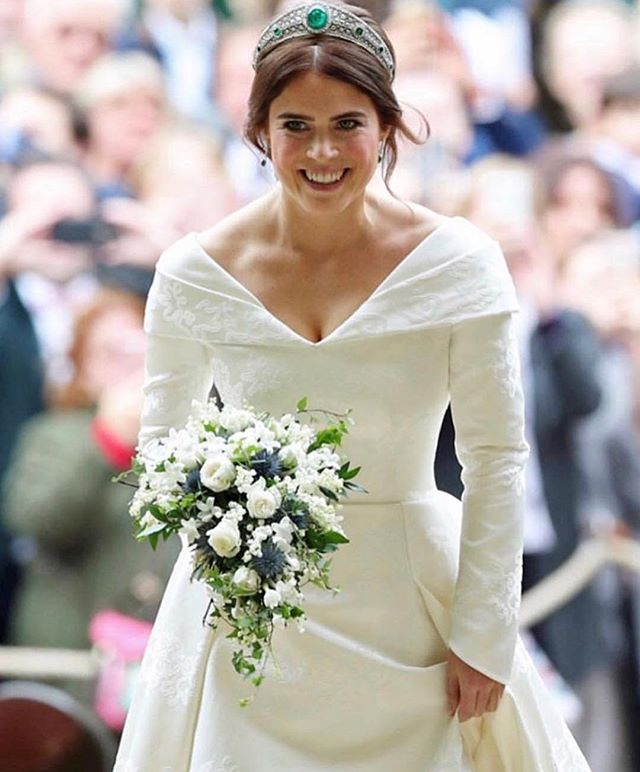Congrats to @princesseugenie on her marriage to @jackbrooksbankig! The bride looked stunning in her custom @peterpilotto gown and Emerald Green Tiara no loan from the Queen! #royalwedding #princesseugenie #wedding #celebritywedding #bodasdelencanto