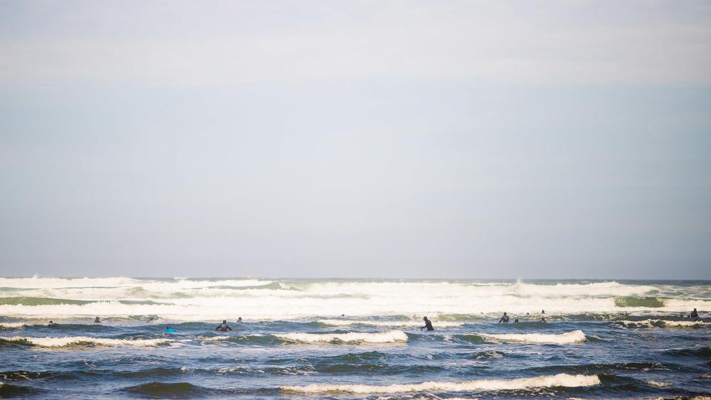 chile-chiloe-fishermen-beach-ocean-2