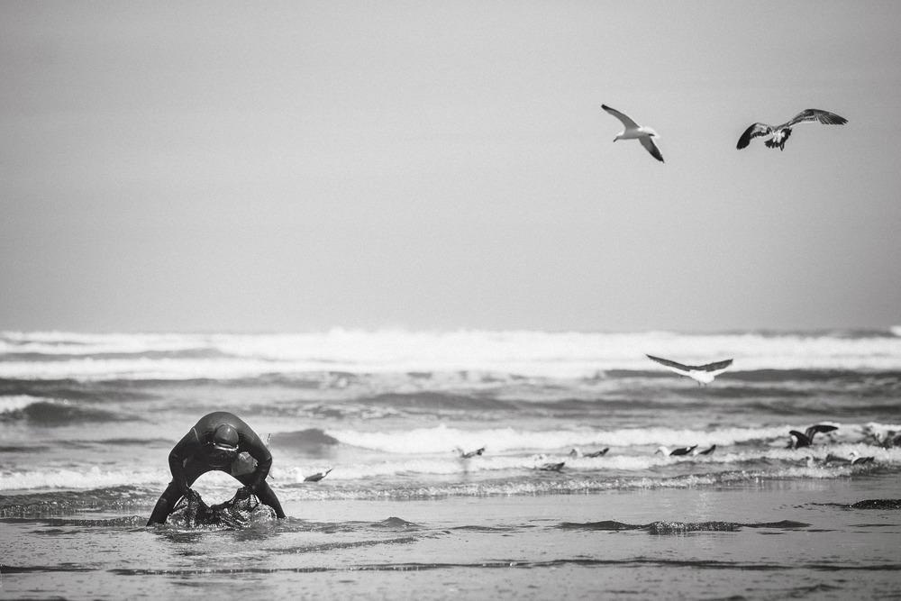 chile-chiloe-fishermen-beach-ocean-4