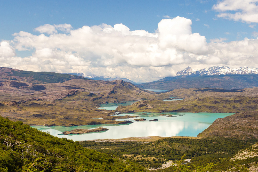 Wedding-Travellers-Overlanding-Destination-Wedding-Chile-Torres-del-Paine-lake-emerald