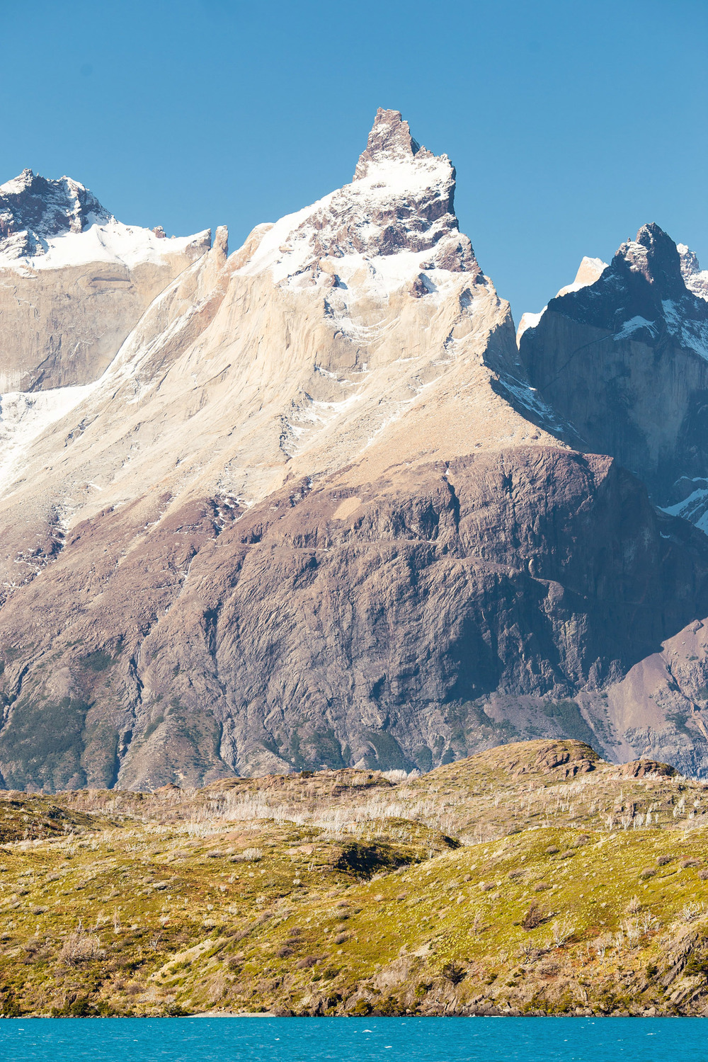 Wedding-Travellers-Overlanding-Destination-Wedding-Chile-Torres-del-Paine-snow-ice-mountain-shore-coast-Los-Cuernos