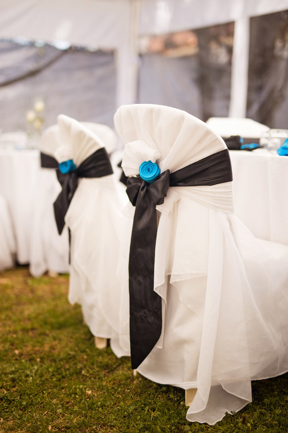 black-blue-wedding-decoration