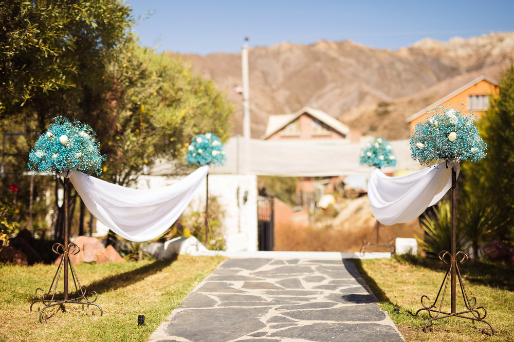 blue-white-rose-wedding-decoration