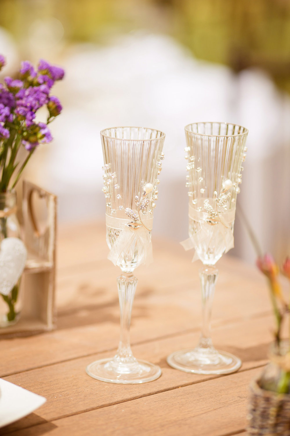 Wedding-Travellers-Destination-Wedding-Peru-Cusco-Hacienda-Sarapampa-Sacred-Valley-champagne-glasses-flutes