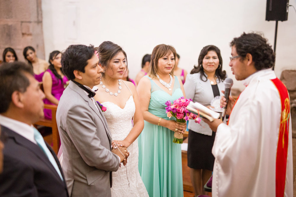 Wedding-Travellers-Destination-Wedding-Peru-Cusco-Hacienda-Sarapampa-Sacred-Valley-cord-lasso