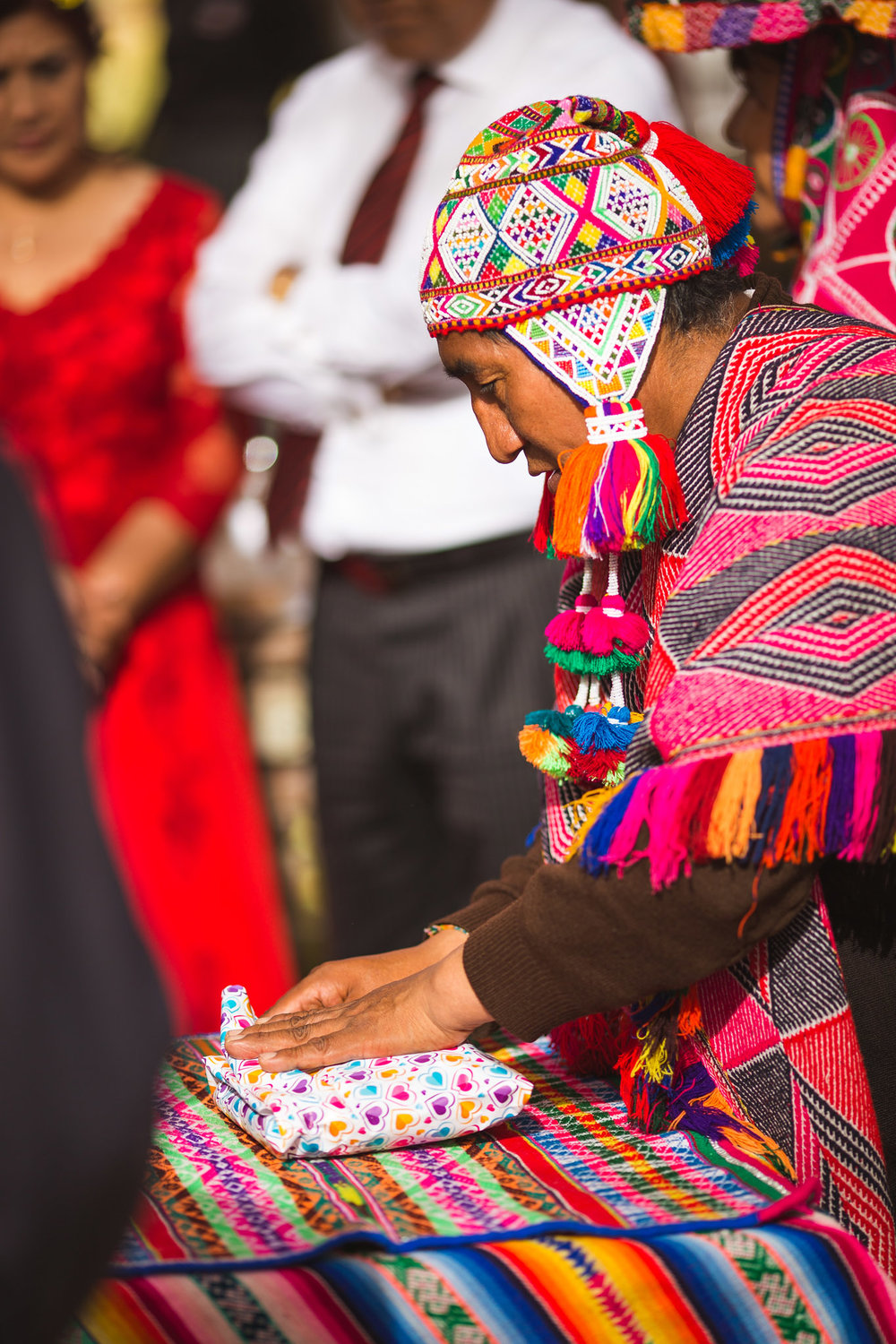 Wedding-Travellers-Destination-Wedding-Peru-Cusco-Hacienda-Sarapampa-Sacred-Valley-traditional-andean-ceremony-offer-pachamama-mother-earth-shaman