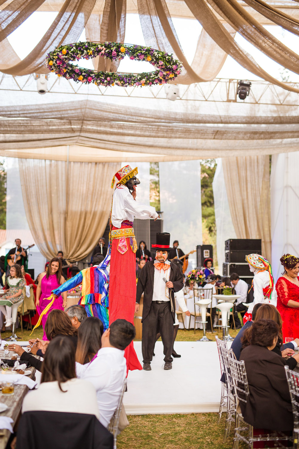 Wedding-Travellers-Destination-Wedding-Peru-Cusco-Hacienda-Sarapampa-Sacred-Valley-traditional-costume-entertainment