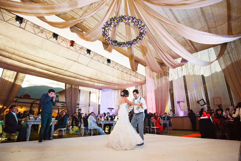 Wedding-Travellers-Destination-Wedding-Peru-Cusco-Hacienda-Sarapampa-Sacred-Valley-money-tradition