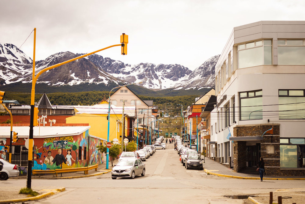 Wedding-travellers-ushuaia-argentina-fin-del-mundo-city