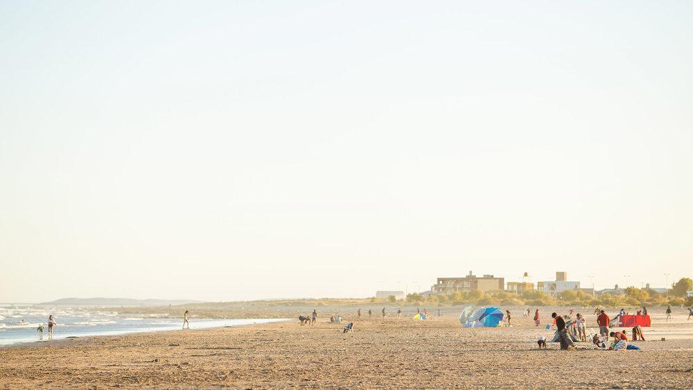 wedding-travellers-argentina-playas-doradas-coast-beach