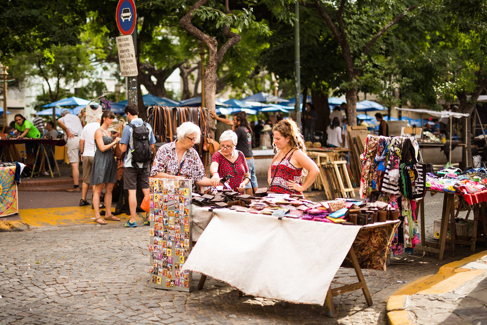 wedding-travellers-argentina-buenos-aires-san-telmo-mercado-pulgas