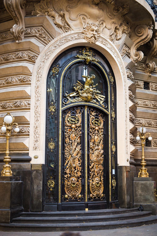 Argentina-Buenos-Aires-bank-door-black-gold