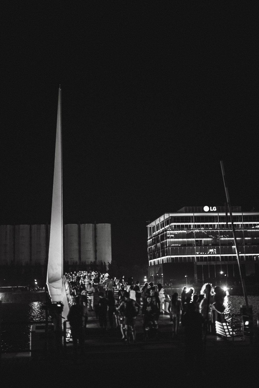 Argentina-Buenos-Aires-bridge-puente-de-la-mujer-night-black-white