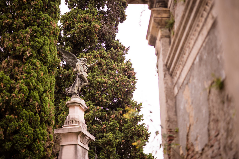 Wedding-travellers-Argentina-Buenos-Aires-Recoleta-cemetery